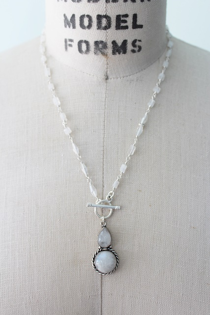 Moonstone Pendant Necklace - The Aria Necklace