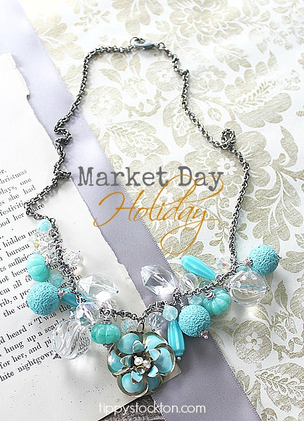 Market Day Holiday Necklace - Aqua and Clear