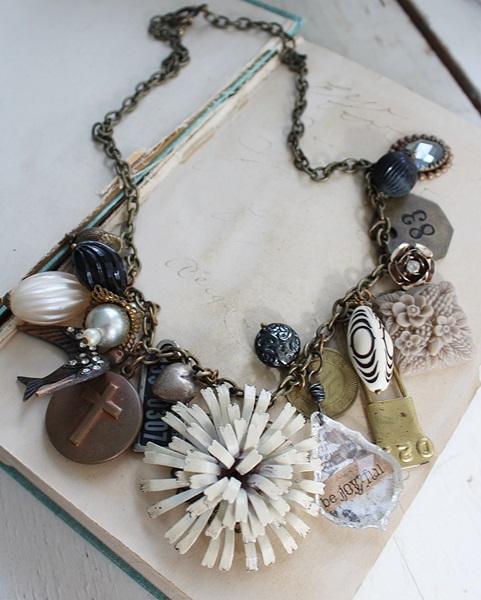 Market Day Vintage Trinket Necklace - Black and Tan