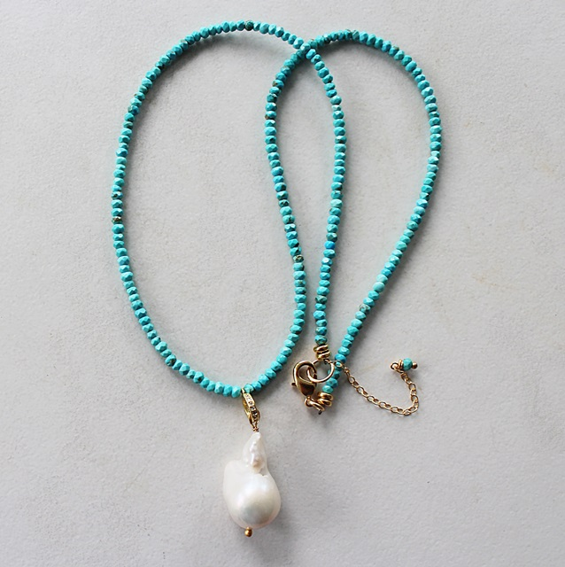 Turquoise Beaded Necklace with Baroque Pearl - The Tahiti Necklace