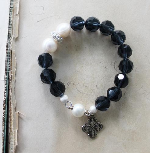 Navy Blue Czech Glass Fresh Water Pearl Bracelet