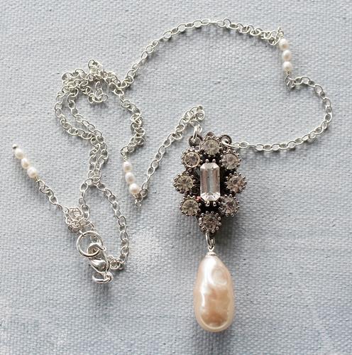 Vintage Pearl Drop Necklace