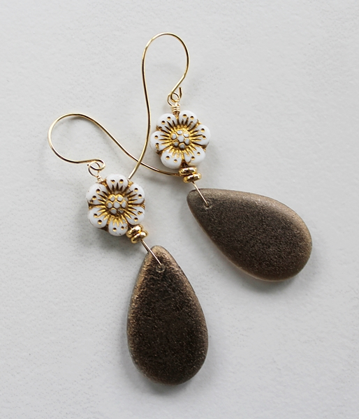 Vintage Glass Flower Drop Earrings - The Brooke Earrings