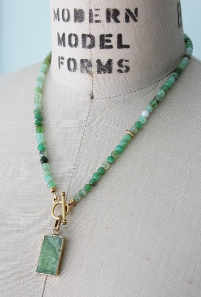 Chrysoprase Lariat Necklace - The Ginger Necklace