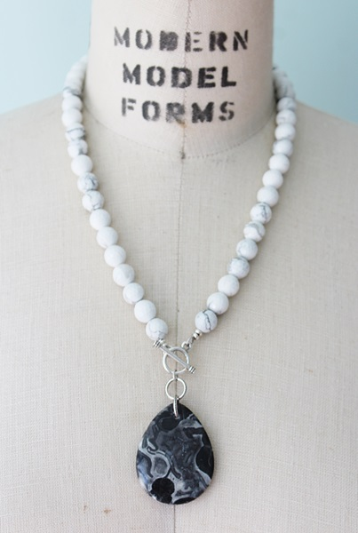 White Magnesite and Agate Necklace - The Sydney Necklace