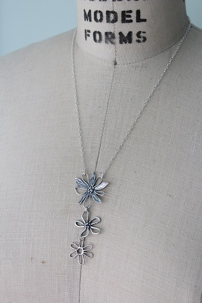 Sterling Silver Daisy Trio Necklace - The Beach Daisy Necklace