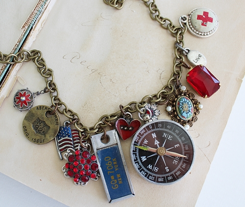 Market Day Trinket Necklace - Red and Blue New York