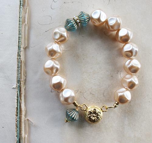 Cream Vintage Glass Pearl Bracelet - The Lauren Bracelet